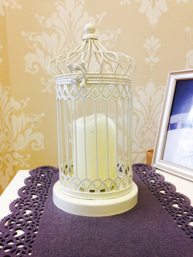 Ivory metal birdcage, for that classic vintage look